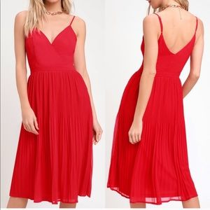 Lulu's NWT Love For You Red Pleated Midi Dress